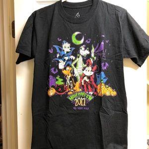 Disney Parks 2017 Halloween Shirt size S